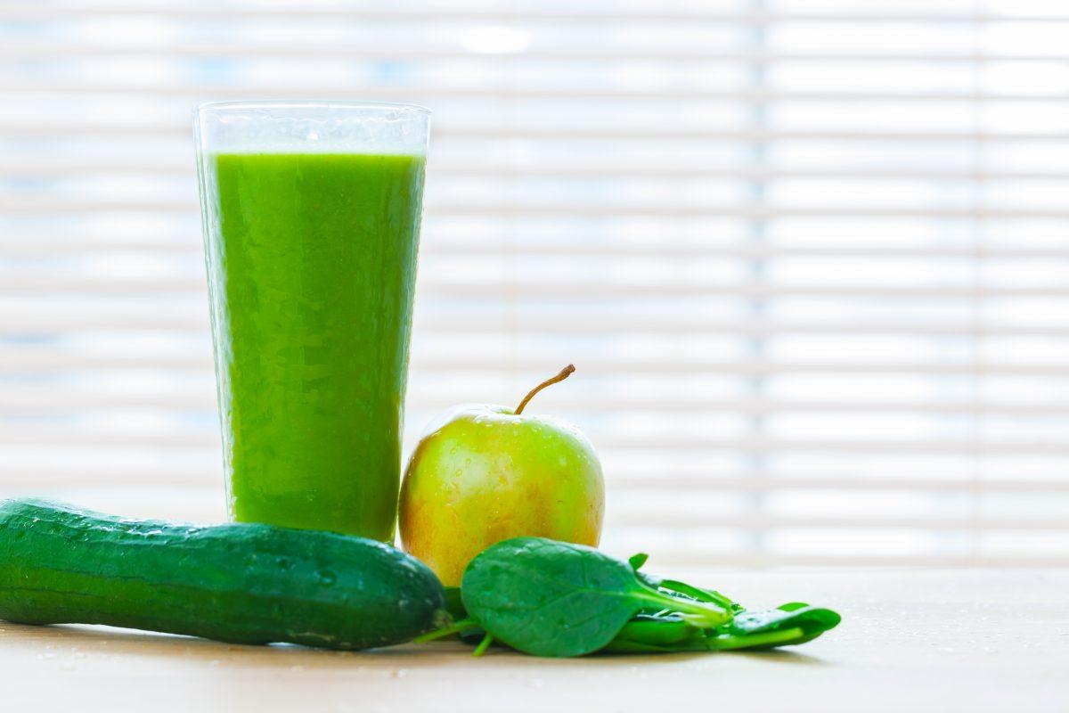 green-smoothie-1200x800.jpg